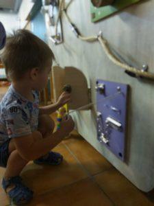 panell-sensorial-escola-lliure